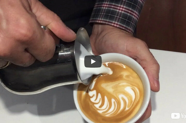 WAVING HEART LATTE ART